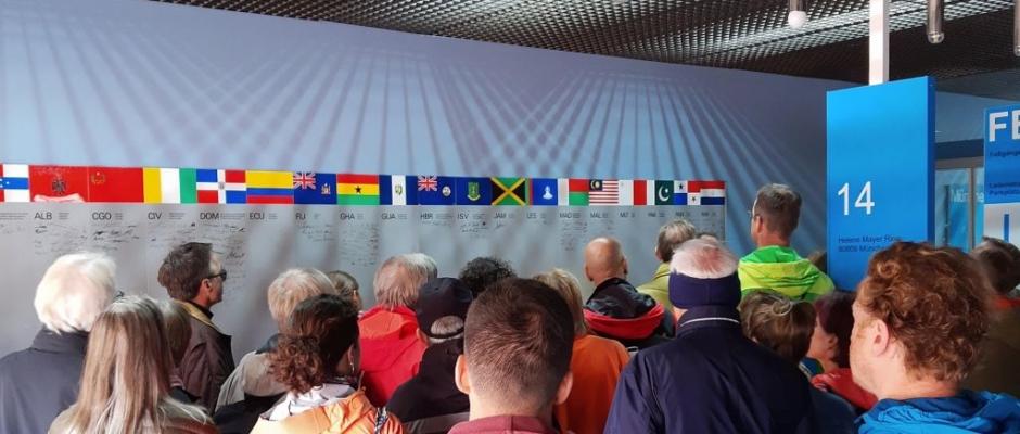 Führung bei Tag des offenen Denkmals im Olympiadorf