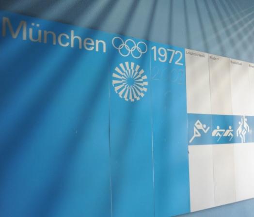 Tafel mit den Sportarten während der Olympischen Spiele 1972